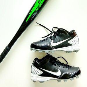 Nike Keystone Baseball Cleats Size 3 Youth